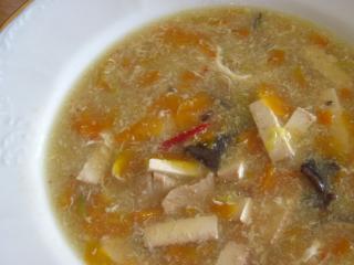 Scharf-Suare Suppe mit Karotte