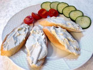 Brotaufstrich aus dem Niva - Käse