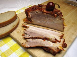 Schweinebauch mit Knoblauch und Paprika