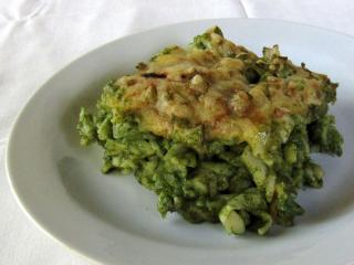 Eingebackene Teigwaren mit dem Spinat