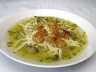 Porree-Suppe mit Käse