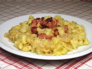 Kartoffel-Nocken mit Sauerkraut