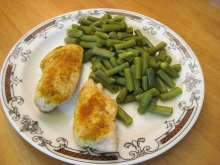 Kari-Hühnerbrust mit grünen Bohnenhülsen