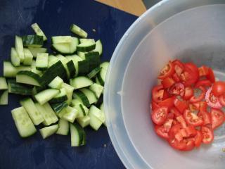 Tomaten und Gurke