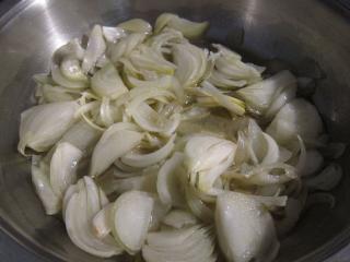 Zubereitung von Zwiebel