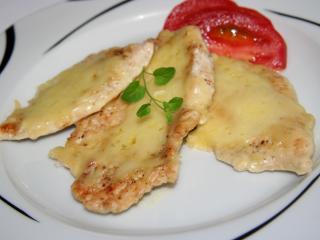Hühnerbrust mit Käse und Sahne überbacken