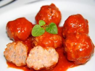 Fleischklöße in einer teuflischen Sauce