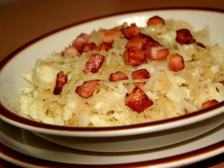 Kartoffel - Nockerln mit Sauerkraut