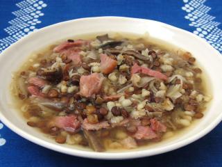 Linsensuppe mit Sauerkraut