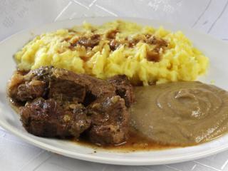 Rindfleisch mit Sellerie