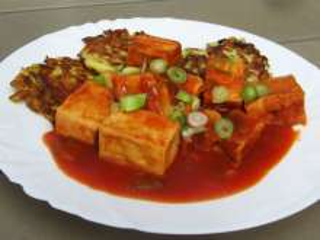 Tofu in Tomatensauce