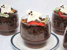 Halloween-Pudding-Becher