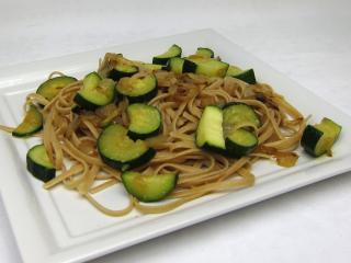 Vollkorn Nudeln mit Zucchini