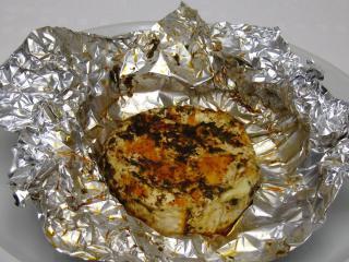 Gegrillter Camembert mit Bärlauch