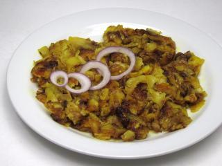 Gebratene Wurzkartoffeln mit Zwiebel
