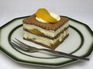 Ungebackenes Quark-Pfirsich-Dessert