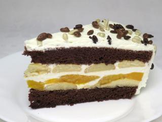 Sahne-Biskuit-Torte