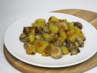 Gebratene Champignons mit Kartoffeln