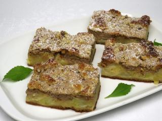 Apfelkuchen mit Nuss-Quark