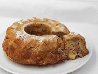 Zimptnapfkuchen mit Äpfeln