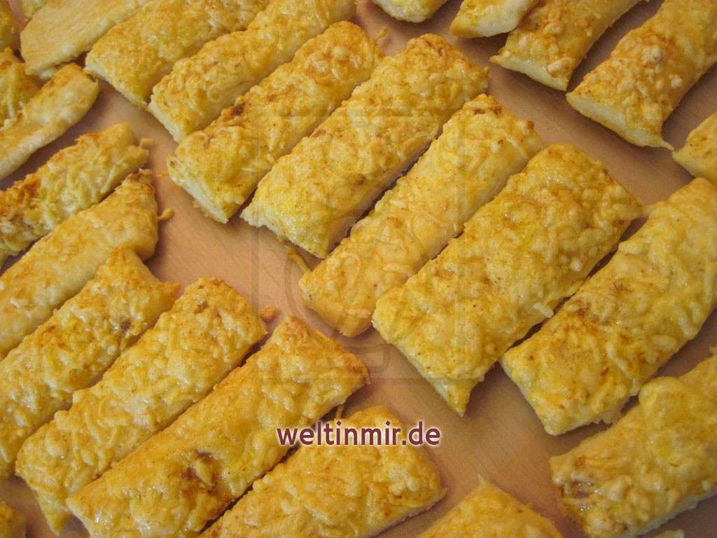 Käsestangen aus Blätterteig • Rezept | weltinmir.de
