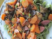 Spinat Tagliatelle mit Salami und Pilzen