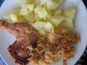 Hühnerkeule auf Sauerkraut