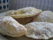 Hausgemachtes süßes Blätterteig - Gebäck ,,Fornetti''