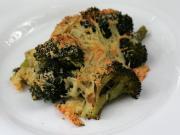 Brokkoli mit Käse gebacken