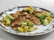 Huhnscheiben mit Mais-Avocado Salsa
