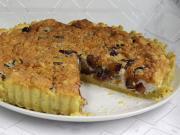 Pflaumenkuchen mit Honigkresse