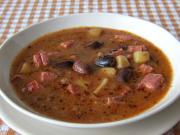 Bohnensuppe aus großen gefleckten Bohnen