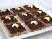 Schokolade-Nuss Würfel mit Tofu
