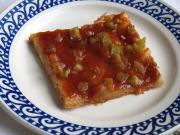 Heferhabarberkuchen mit Marmelade