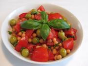 Kichererbsensalat mit Tomaten