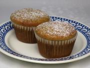 Buttermilch Muffins mit Pflaumenmuss